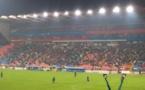 Les Roumains fêtent la victoire de l'équipe Steaua Bucureşti contre les Hollandais