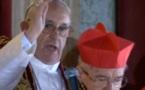 Actu à la une - Le Pape François semble recevoir la bénédiction du monde entier