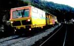 DESSIN DE PRESSE: L'avaleur de rails en marche