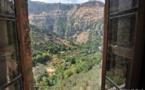 L'IMAGE DU JOUR – La montagne depuis une fenêtre