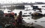 Typhon Haiyan aux Philippines: près de 4,5 millions d'enfants sans eau ni nourriture