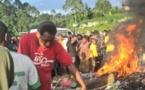Papouasie-Nouvelle-Guinée: Justice doit être rendue à une jeune femme brûlée vive