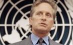 Michael Douglas encourage les jeunes à agir en faveur du désarmement