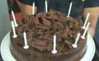 RECETTES EN VIDÉO - Gâteau anniversaire 100% chocolat