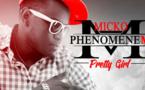 Micko PhenomeneM réchauffe le public avec Pretty Girl