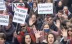 Espagne: Double attaque contre les droits et les libertés