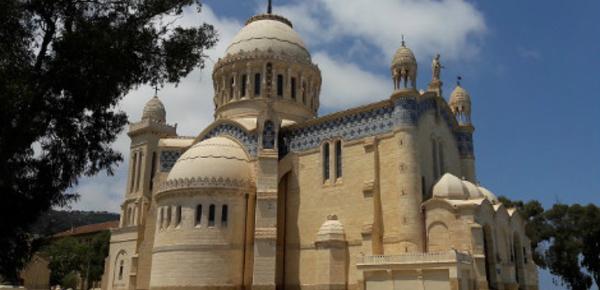 """À Alger, notre belle basilique """"Madame l'Afrique"""""""