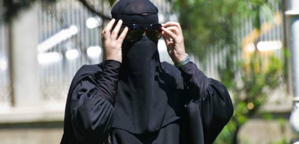 Interdiction du voile intégral au Maroc