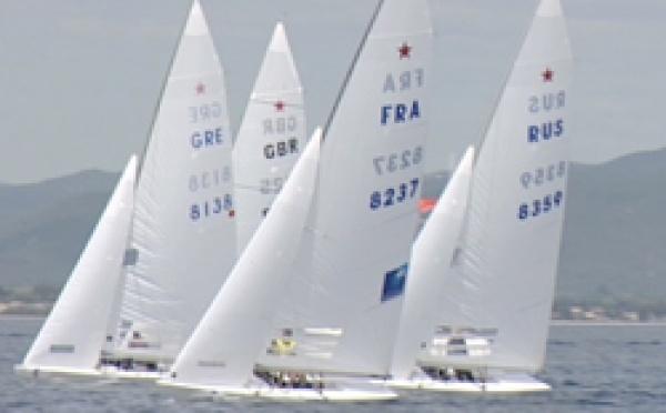 HYERES : Les Français remportent cinq Medal Races et quatre médailles dont deux d'or