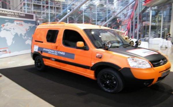 CROISIERE AZUR: Citroën fête ses 90 ans