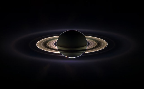 L'IMAGE DU JOUR: Saturne éclipsant le Soleil
