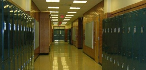 Interview: La sécurité dans les lycées américains