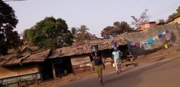 Pénurie d'eau: Le calvaire des femmes à Conakry