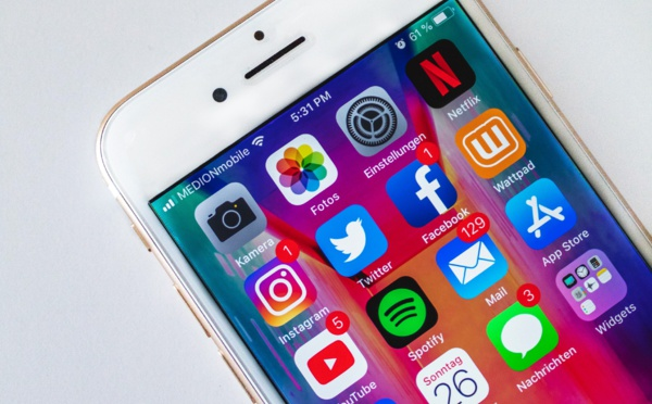 Les réseaux sociaux peuvent conduire les ados à la dépression