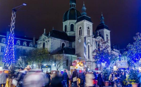 Un marché de Noël féerique