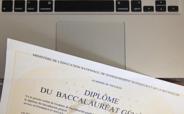 """""""J'arrive pas à me projeter en septembre"""" : les lycéen-ne-s face à l'annulation des épreuves du baccalauréat"""