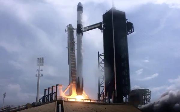 Space X réussit le lancement de Crew Dragon