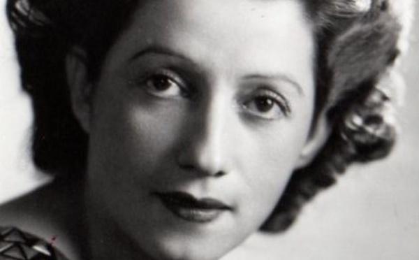 Salvadorienne, femme de pilote et d'écrivain