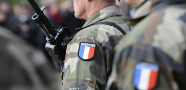 Armée: ces réservistes français qui mènent une double vie