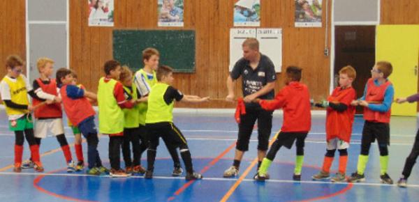 Dans les Ardennes, un stage de foot entre éducatif et ludique