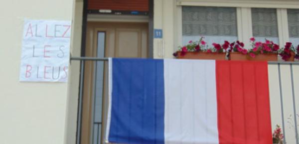 Avec l'Euro de foot, les drapeaux français fleurissent à Rethel