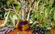 L'huile d'olive est moins calorique que les autres huiles (C) Pixabay